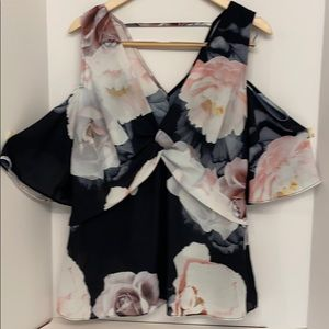 New with Tags Floral Top By City Chic Size XS/14